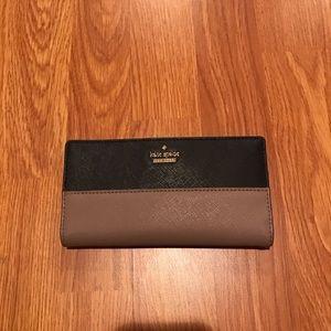 Kate Spade Two Tone Wallet. Black/tan color.